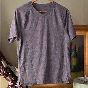Lululemon men's t shirt v neck size m